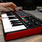 AKAI Professional MPK Mini MK2 - Clavier Maître MIDI/USB 25 Touches Sensibles à la Vélocité avec 8 Pads et Joystick 4 Voies + VIP 3.0 et Pack de Logiciels Inclus - Noir de la marque AKAI Pro image 4 produit