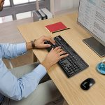 TeckNet Clavier et Souris Sans fil 2.4Ghz, Multimedia Clavier Divertissement (Disposition du clavier en AZERTY), Ensemble Clavier Souris pour bureau Résistants à l'eau. de la marque TeckNet image 3 produit